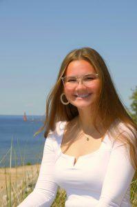 Heyl Science Scholarship recipient Ellie